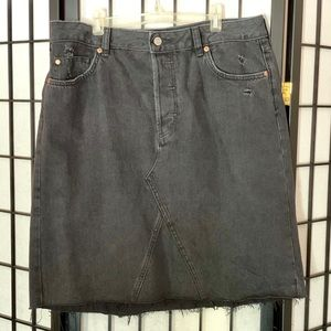 H&M black denim jean skirt distressed rigid cotton